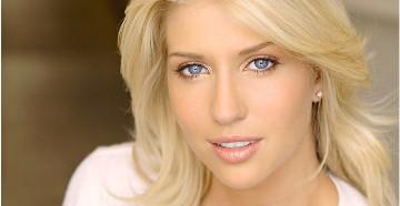 цвет волос к голубым глазам