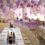 Как украсить зал на свадьбу своими руками шарами, цветами и другим декором?