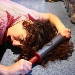 Как выпрямить волосы без фена и утюжка: эффективные и безопасные способы