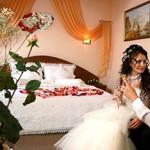 Что делать молодоженам в первую брачную ночь?