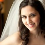 Свадебные прически на средние волосы с фатой: советы по выбору прически и фаты