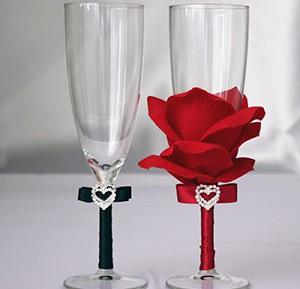 Украшение бокалов на свадьбу лепестками роз своими руками
