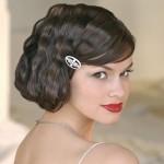 Вечерние прически на средние волосы с челкой: модные тенденции и актуальные варианты