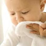 Причины образования белого налета на языке у грудничка и способы лечения