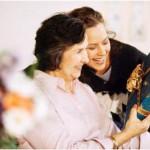 Полезные рекомендации по тому, что можно подарить маме на День рождения