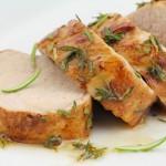 Как запечь свинину в духовке так, чтобы мясо было нежным и сочным