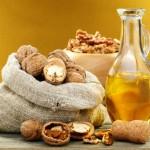 Масло грецкого ореха: польза и вред знакомого с детства продукта