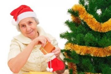 дарим подарки на новый год бабушке