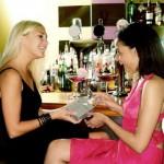 Что можно подарить на день рождения лучшей подруге: идеи подарков