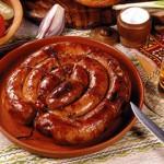 Домашняя колбаса в кишках: рецепт приготовления куриной и печеночной