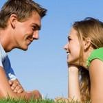 Как понять что ты нравишься девушке, женщине: признаки симпатии