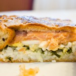 Готовим вкусное тесто для пирога с рыбой