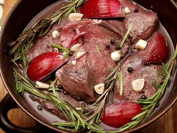 предлагаем вам домашние рецепты приготовления оленины