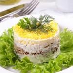 Классический салат Мимоза, рецепт с консервой сардины или сайры