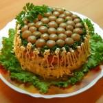 Рецепты салата «Полянка» с шампиньонами и с куриной грудкой или мясом