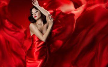Цвет помады под красное платье