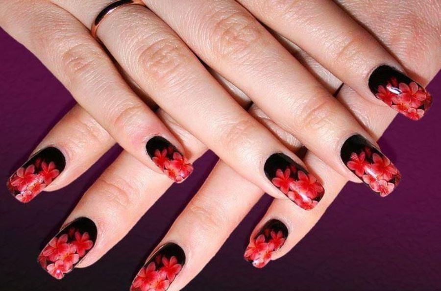 Дизайн ногтей красный с черным