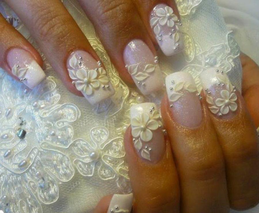 Маникюр под свадебное платье