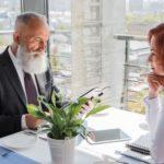 Кому доверить сопровождение сделки при покупке жилья – юристу или риэлтору?