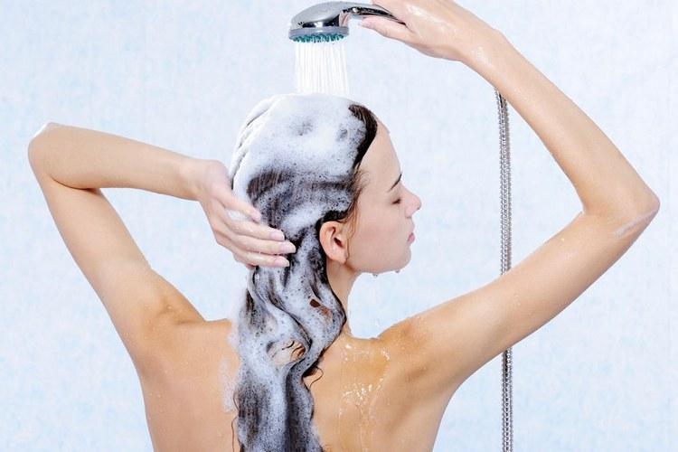 Уход за волосами в зимнее время в домашних условиях