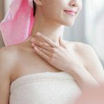 Как продлить молодость кожи в области шеи и декольте: массаж, крем и другие способы омоложения